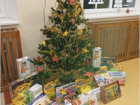 Vánoční nadílka ve školní družině